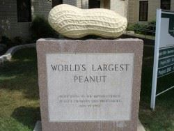World's Largest Peanut Statue